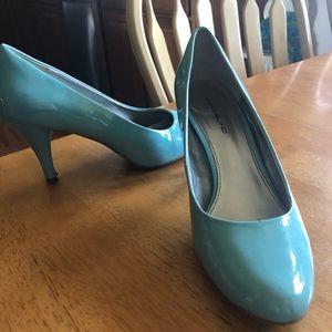Robins Egg Blue Bandolino Retro Heels